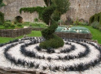 JARDIN MEDIEVAL CHATEAU-GONTHIER